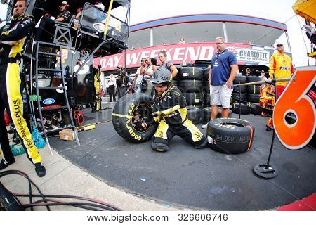 September 29, 2019 - Concord, North Carolina, USA: Ryan Newman (6) tire changes practices during the Bank of America ROVAL 400 at Charlotte Motor Speedway in Concord, North Carolina.