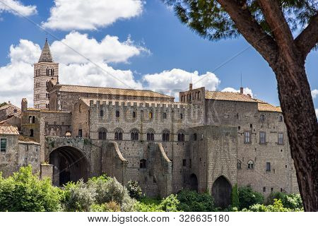 The Papal Palace And Cathedral Complex In The Medieval Town Of Viterbo, Viterbo Northern Lazio, Ital