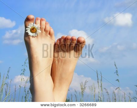 Feet & Sky