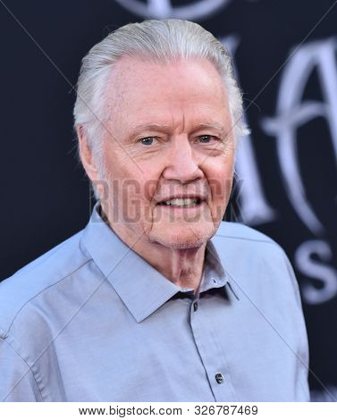 LOS ANGELES - SEP 30:  Jon Voight arrives for 'Maleficent: Mistress of Evil' World Premiere on September 30, 2019 in Hollywood, CA
