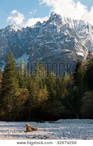 Close up of Presojnik Mountain