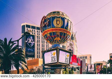Las Vegas, Usa - January 11, 2020: Paris Hotel Air Balloon On The Las Vegas Strip, Nevada, America.