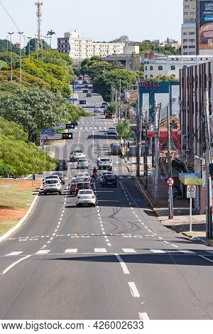 Campo Grande - Ms, Brazil - July 4, 2021: View Of Afonso Pena Avenue Next To The Corner With Preside
