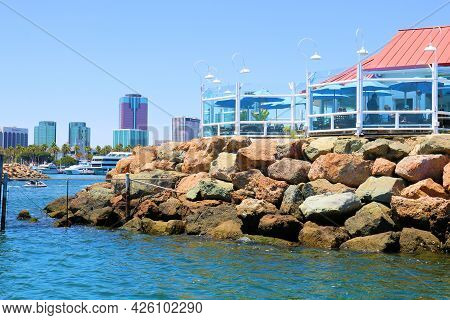 July 6, 2021 In Long Beach, Ca:  Resstaurant With Outdoor Patio Seating On A Bluff With The Downtown
