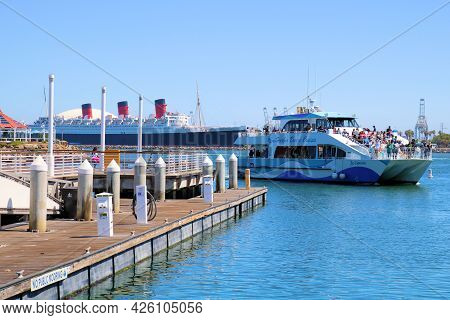 July 6, 2021 In Long Beach, Ca:  Passengers On A Tour Boat Riding Onto The Long Beach, Ca Harbor Whe