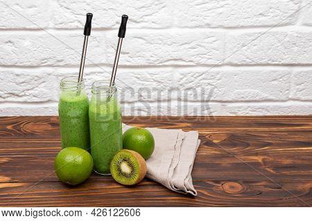 Detox For Healthy Lifestyle, Ketone Diet, Raw Food Diet. Fresh Green Detox Smoothies. Green Juice Sm