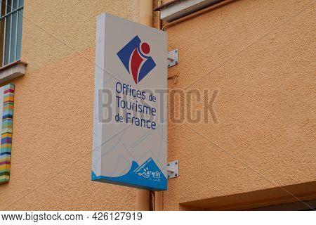 Argeles-sur-mer , Ocitanie France  - 06 30 2021 : Office De Tourisme France Logo Text And Brand Sign