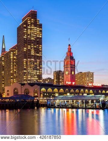 San Francisco - January 14: City Skyline On January 14, 2013 In San Francisco, California. Many Buil