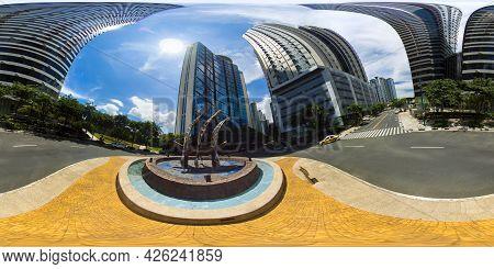 January 5 2020: A Manila: The City Of Manila, The Capital Of The Philippines. Modern Metropolis. Mod