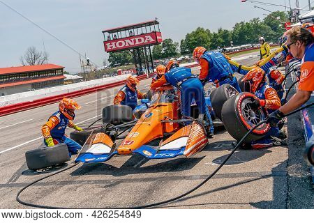 July 04, 2021 - Lexington, Ohio, USA: SCOTT DIXON (9) of Auckland, New Zealand brings his car in for service during the Honda Indy 200 at Mid-Ohio at Mid Ohio Sports Car Course in Lexington Ohio.