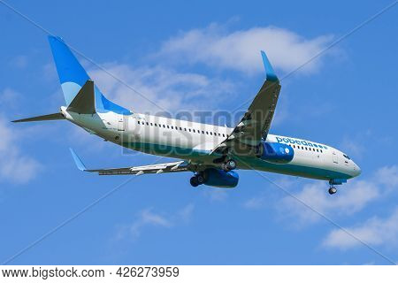 Saint Petersburg, Russia - May 29, 2021: Boeing 737-800 (vp-bfb) Of Pobeda Airlines On The Glide Pat