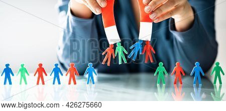 Attract Leads And Customers. Capture Business Candidate With Magnet