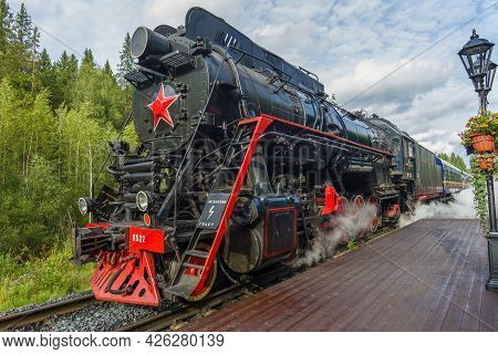 Ruskeala, Russia - August 15, 2020: Old Soviet Mainline Steam Locomotive Lv-0522 With The Ruskeala E