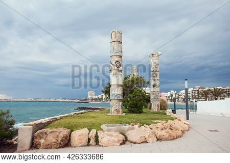 Torrevieja, Spain, 27.04.2021, A Cost Of Mediterranean Sea In Torrevieja City, Costa Blanca