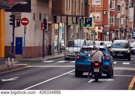 Torrevieja, Spain, 30.04.2021. Street Of Torrevieja City With Traffic. Cityscape. Costa Blanca