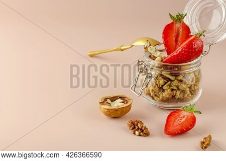 Muesli With Fruits And Strawberries. Keeping A Healthy Breakfast. Granola Healthy Food Dessert Snack