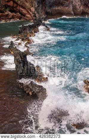 Sea Shore With Stones, Ocean Seascape. Sea Waves Over Rocks On Wild Stone Beach. Tropical Sea Relax.