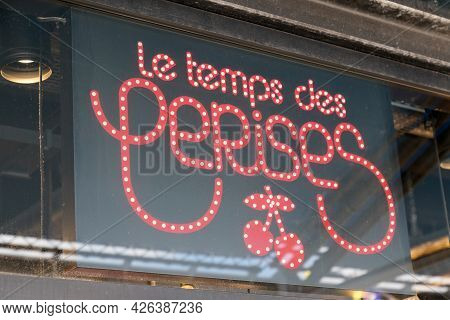 Toulouse , Ocitanie France  - 06 30 2021 : Le Temps Des Cerises Logo Brand And Text Store Signage Of