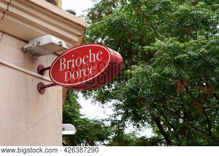 Bordeaux , Aquitaine France  - 07 04 2021 : Brioche Doree Logo Brand Baker And Text Sign Store Baker