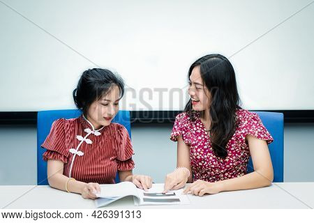 Women In Chinese Style Happy Discussion In Success
