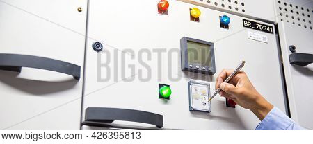 Electricity And Electrical Maintenance Service, Engineer Putt Reset Button For Checking Electric Cur