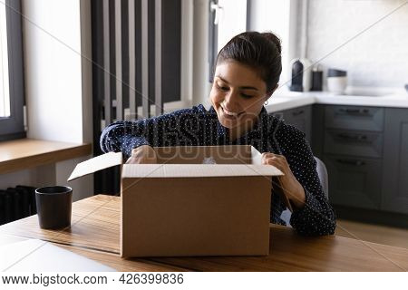 Happy Internet Store Consumer Unboxing Received Package