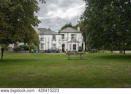 Godstone, Surrey, Uk August 2020 - Godstone Green And Surrounding Buildings, Godstone, Surrey, Uk
