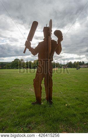 Godstone, Surrey, Uk August 2020 - Rusty Metal War Memorial On Godstone Green In The Village Of Gods