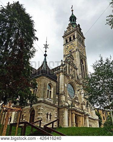 Reformed Church Linsebühl Or Reformierte Kirche Linsebühl (linsenbuehl Or Linsenbuhl) Oder Evangelis