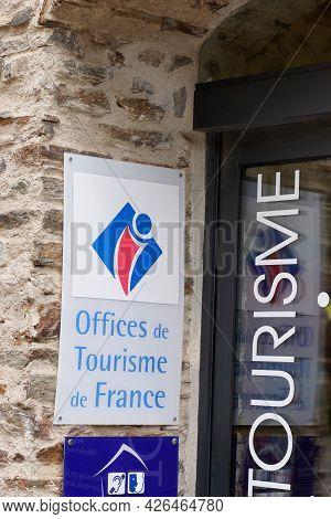 Sete , Ocitanie France  - 06 30 2021 : Tourism Office Means Office De Tourisme De France Sign Text A