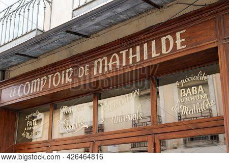 Bordeaux , Aquitaine France  - 07 04 2021 : Le Comptoir De Mathilde Chocolaterie Sign Brand Text Sto