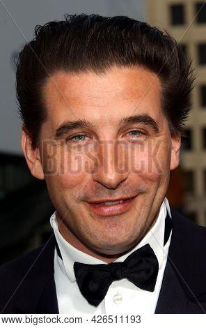LOS ANGELES - JUN 12: Billy Baldwin arrives to  AFI Lifetime Achievement Award honoring Robert DeNiro on June 12, 2003 in Hollywood, CA