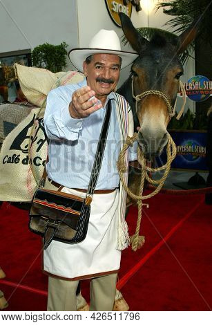 LOS ANGELES - MAY 14: Juan Valdez arrives to  ÔBruce AlmightyÕ World Premiere on May 14, 2003 in Hollywood, CA