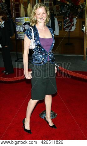 LOS ANGELES - MAY 14: Gretchen Mol arrives to  'Bruce Almighty' World Premiere on May 14, 2003 in Hollywood, CA