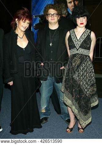 LOS ANGELES - NOV 02: Sharon Osbourne, Jack Osbourne and Kelly Osbourne arrives to  the 'Die Another Day' Hollywood Premiere on November 02, 2002 in Los Angeles, CA