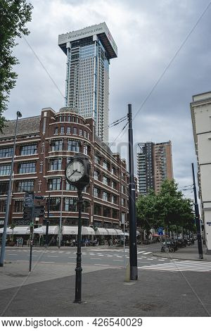 The Zalmhaven Tower, New Building In Rotterdam,  4 Juli 2021, Rotterdam The Netherlands