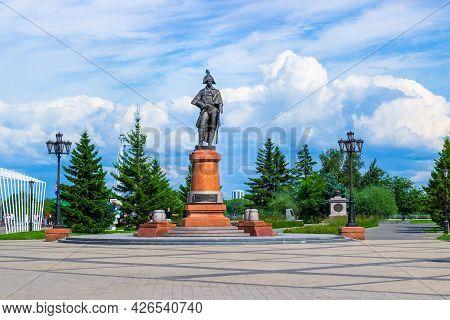 Krasnoyarsk, Russia - July 10, 2021: Monument To Commander Nikolai Petrovich Rezanov In Krasnoyarsk