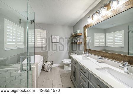 Contemporary Craftsman Bathroom Interior Design With Double Vanity Sink