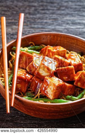 Sweet And Spicy Asian Noodle Green Bean Bowl With Hoisin Baked Crunchy Tofu, Close-up