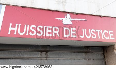 Bordeaux , Aquitaine France - 07 07 2021 : Huissier De Justice Logo Brand And Text Sign In France Me