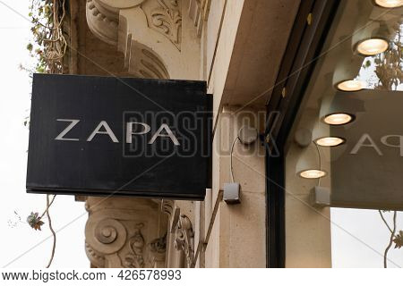 Toulouse , Occitanie France - 06 16 2021 : Zapa Logo Brand And Sign Text Front Of Store Fashion Clot