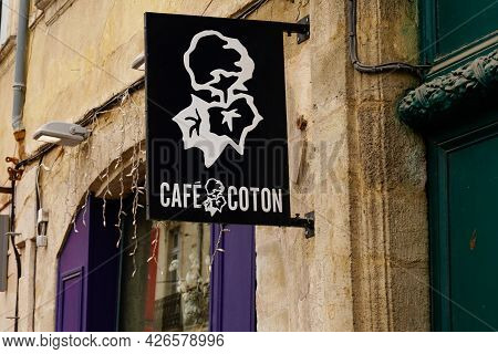 Bordeaux , Aquitaine France - 07 07 2021 : Cafe Coton Logo Shop And Sign Text Brand For French Men C