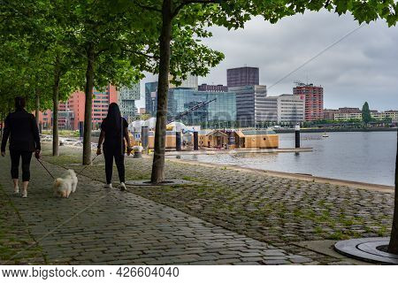 01 July 2021, Wilhelminakade, Rotterdam, Netherlands, Cloudy Summer Day And Friends In The Relaxed W