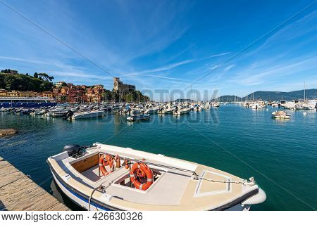 Port Of Lerici Town With Many Boats And The Ancient Castle (1152-1555). Tourist Resort On The Coast