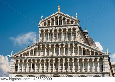Main Facade Of The Pisa Cathedral (duomo Di Santa Maria Assunta), In Pisan Romanesque Style, Piazza