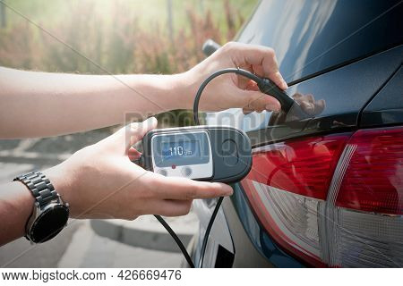 Measuring Thickness Of The Car Paint Coating With Paint Thickness Gauge