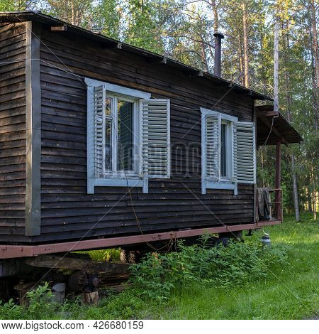 Forest Wardens Hut Forest Lodge, Small House Of Forester In The Old Pinery Taiga, Boreal Forest In V