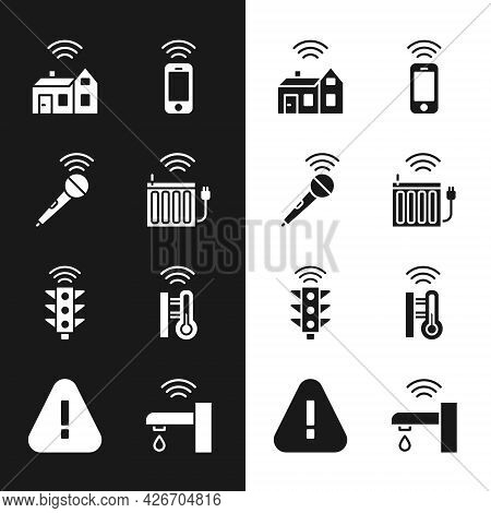Set Smart Heating Radiator, Wireless Microphone, Home With Wireless, Smartphone, Traffic Light, Ther