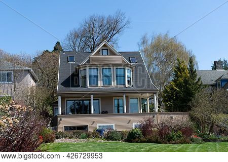 Nice Modern Suburban Mansion Manufactured House , Subdivision