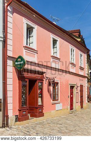Kutna Hora, Czech Republic - September 14, 2020: Colorful Cafe In The Historic Center Of Kutna Hora,